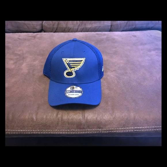 quality design 44048 97e22 New Era St Louis Blues Fitted Hat